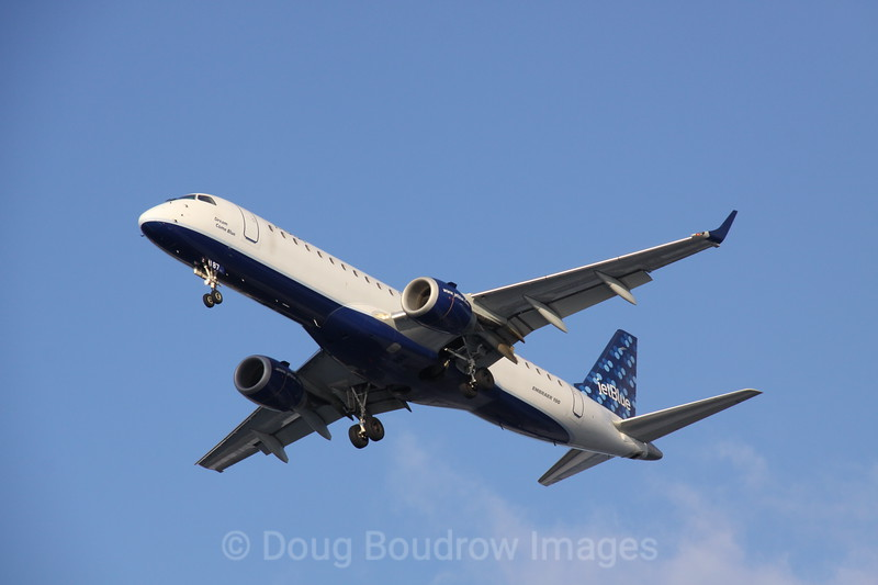 "Jet Blue Embraer ERJ-190 ""Dream Come Blue"" in final approach to Boston Logan, 1-29-09."