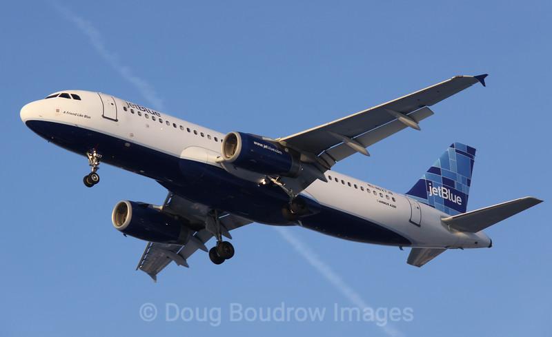 "Jet Blue Airbus A320 ""A Friend Like Blue"" on final approach to Boston Logan, 1-22-09."