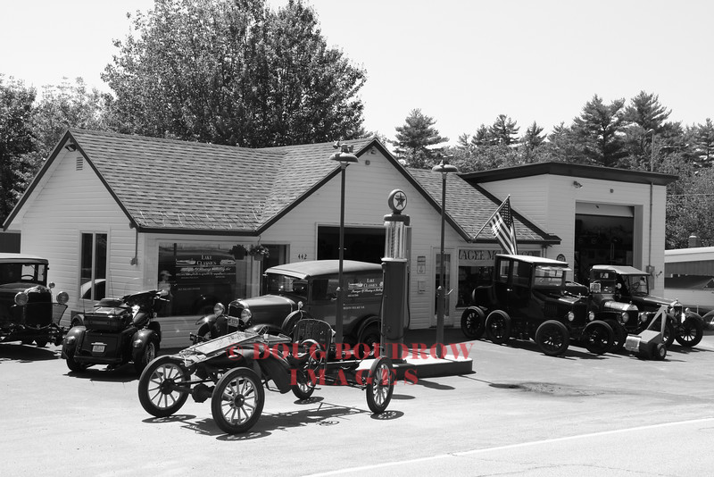 Tuftenborough, NH - A small gas station and repair shop works on vintage cars and provides a scene reminiscent of the 1930s, 7-10-09.