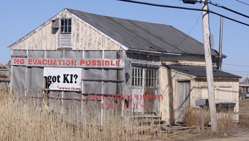 Newbury, MA (Plum Island) - Abandoned building on Plum Island Turnpike, 3-21-09