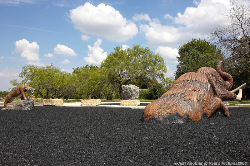 NoRich Park, Wooly Mammoth and Sabertooth Tiger