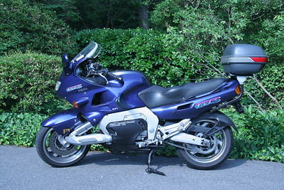 Yamaha GTS 1000 (Left side)