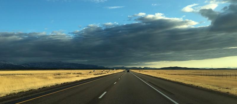 open-highways-in-utah-during-golden-hour_36633065113_o