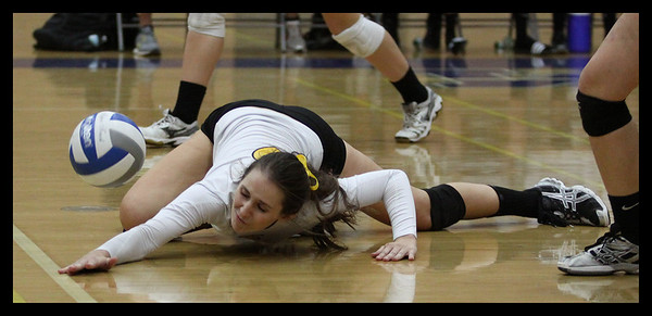 girls-volleyball---kayla-lederer---9246_8059481793_o