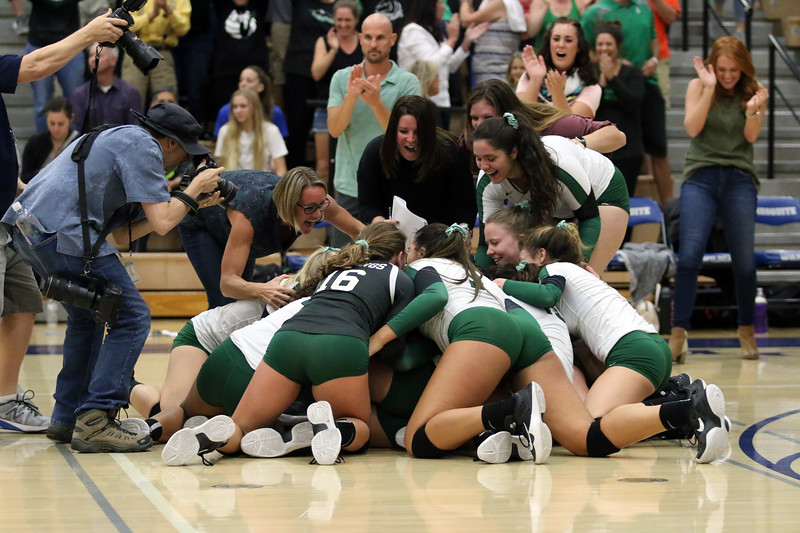 sunnyslope-high-school-girls-volleyball-state-champions---3044_37593333684_o