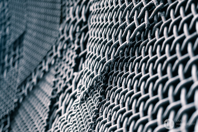 Chain Link Wave I