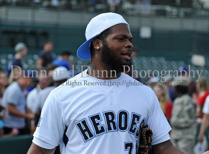 Michael Bennett at the Reebok 2011 Heroes Celebrity Baseball Event