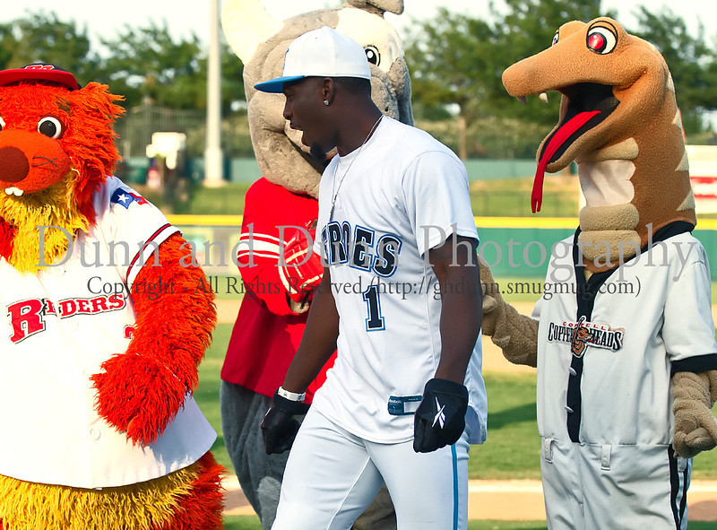 Dallas Cowboy Dez Bryant at the Reebok 2011 Heroes Celebrity Baseball Event