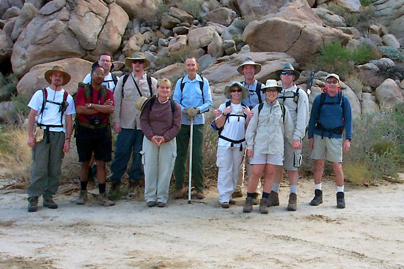 Gabe, Kim, Roy, Dave, Oneradhunnibunni, Curtistan, Pamses, Slkservices, KHiker, John and Joe(me). The line up for todays hike.