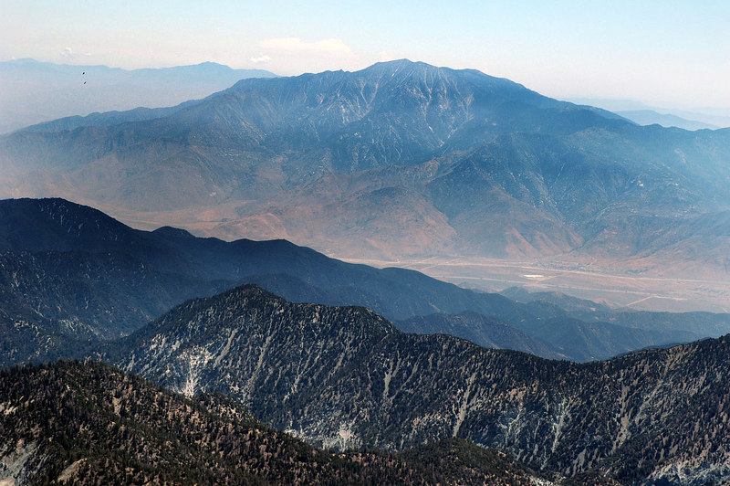 Zoomed in on San Jacinto Peak. A couple of ravens are in the upper left.