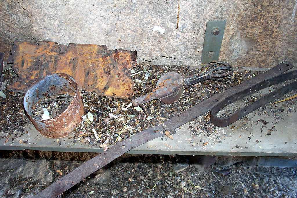 Some rusty artifacts and a lot of rat poop.