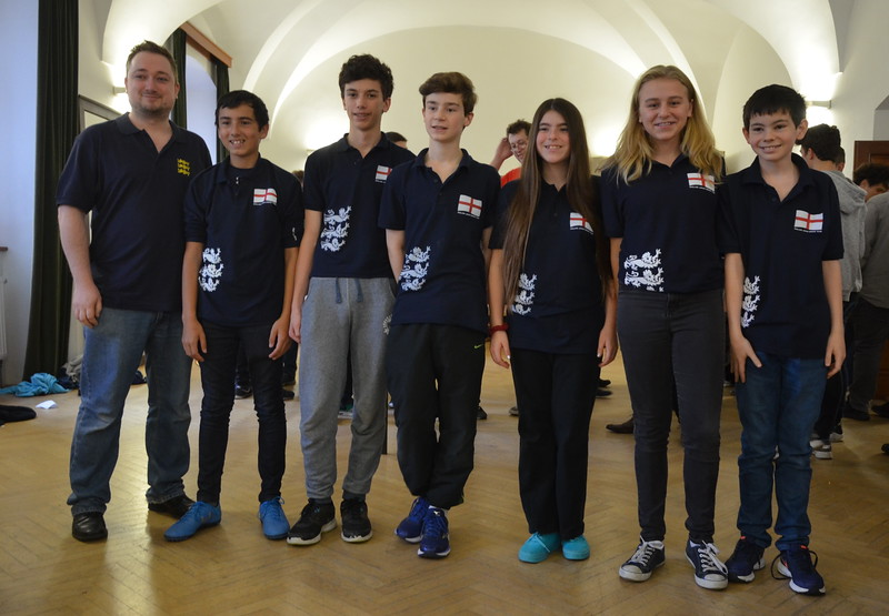Czech Republic Junior Teams Championship in Hluk, November 2016 Mike Bell (NPC), Andy Cope,Oscar Selby, Alex Pemberton, Jasmine Bakhshi, Liz Gahan, Henry Rose