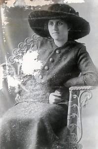 Vera's Mom Della