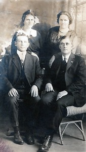 Della & Stanley Vincent (left) Margaret & Bert Blackman (right)