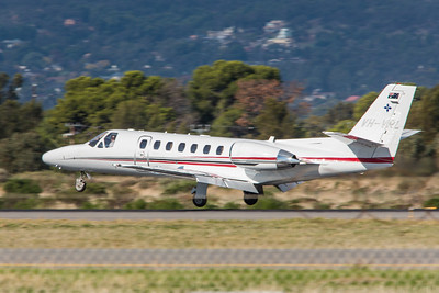 Cessna Citation V 560 - VH-VRL lands on 05