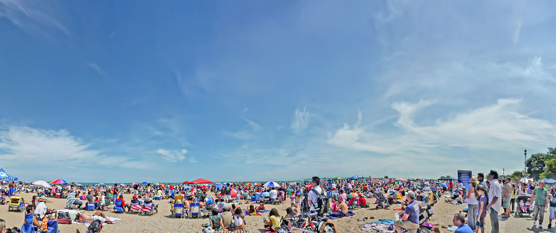 2 million people watched the Chicago air and water show over the weekend