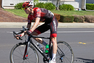 #147 Robbie Squire (USA), Team Jamis-Hagens Berman. At corner of Haggin Oaks and Broadmoor