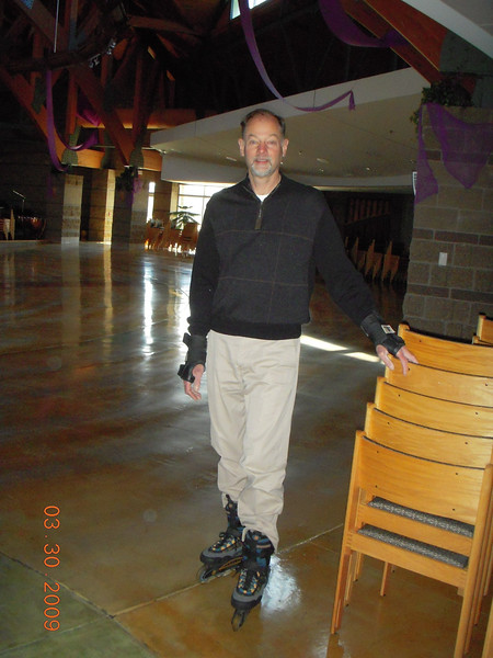 Rollerblading_in_church_007[1]