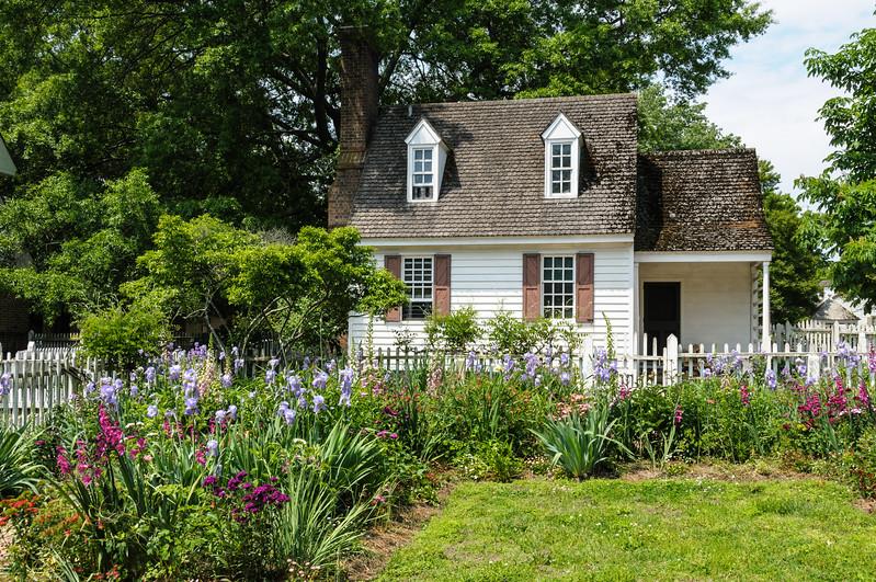 Cottage garden, Colnial Williamsburg, Virginia