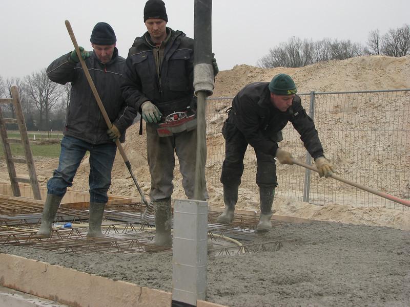 Casting concrete