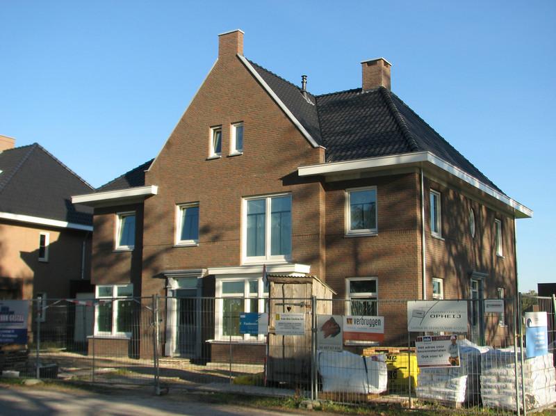 Oct.15th 2011 Jufferlaan 36/38 Son & Breugel