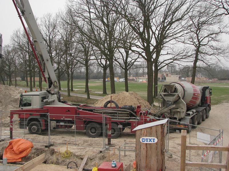 Pump and mixer. Casting concrete