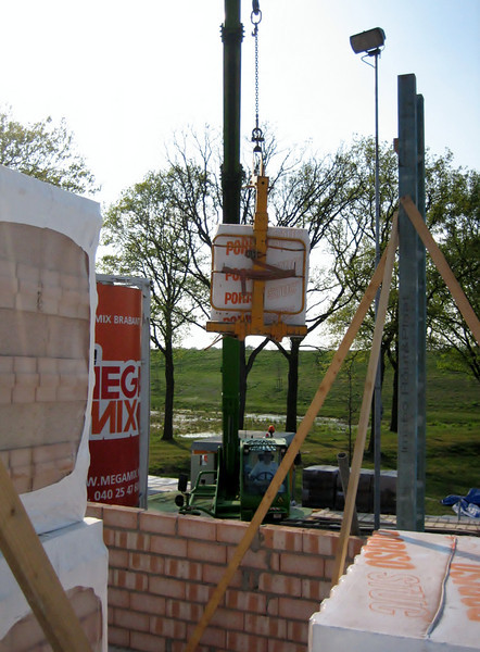 Brick supplies on the first floor (Poriso 10 and 14 cm)