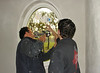 Robert and Rick mounting the ovale pane
