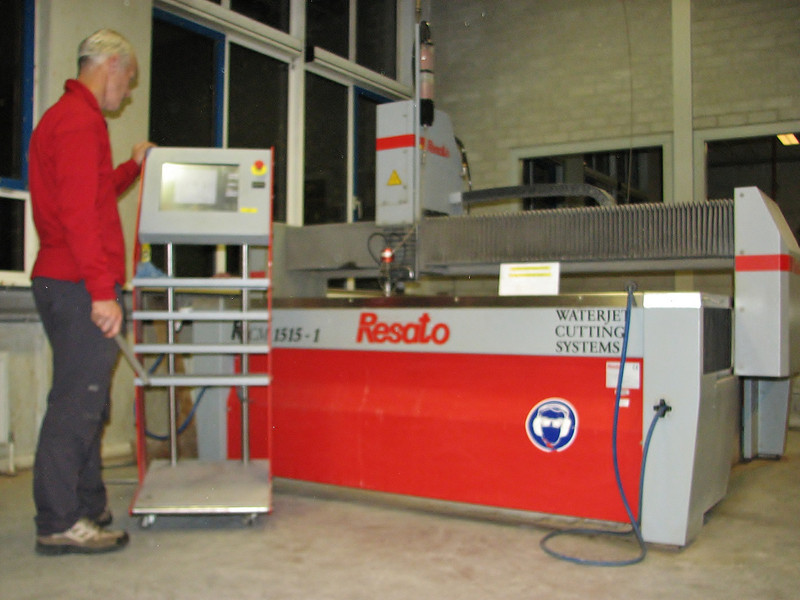 "Waterjet cutting system ""Resato"""