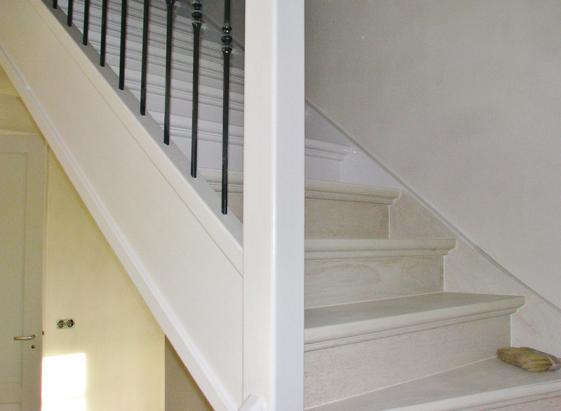 Lacquer the stair for (firm Robert v.d. Wetering)