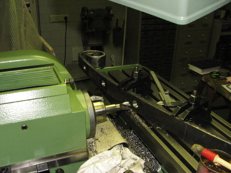 Milling the bar-holes