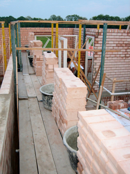 Preparatory of bricklaying on the first floor