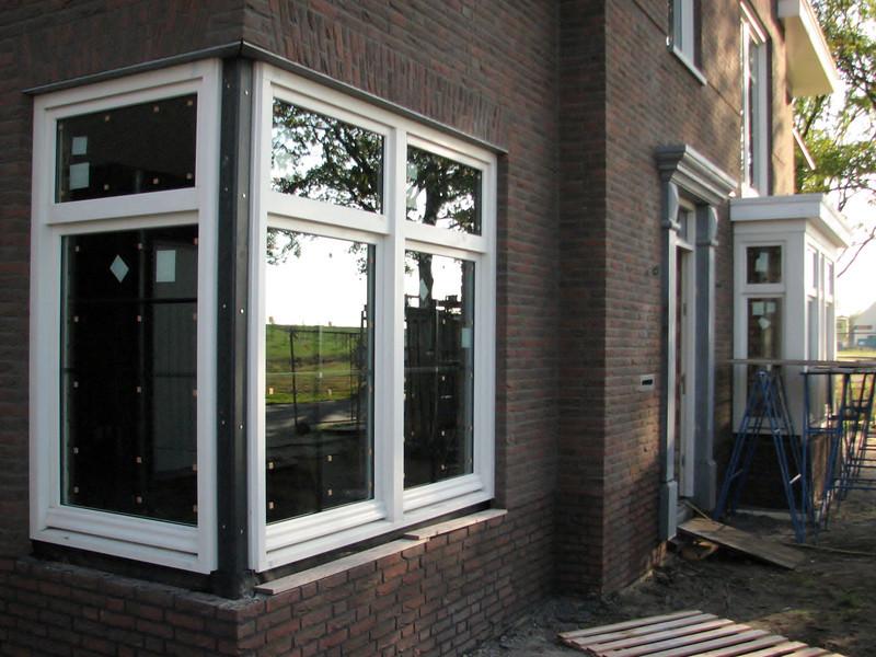 Corner window panes at Frans & Imke's home