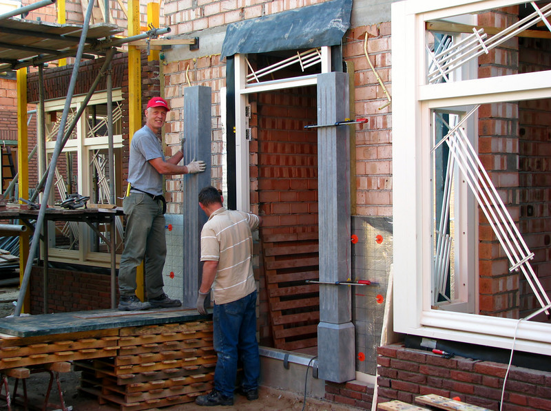 Placing heavy parts of the door frame, 155kg, Easter 2011