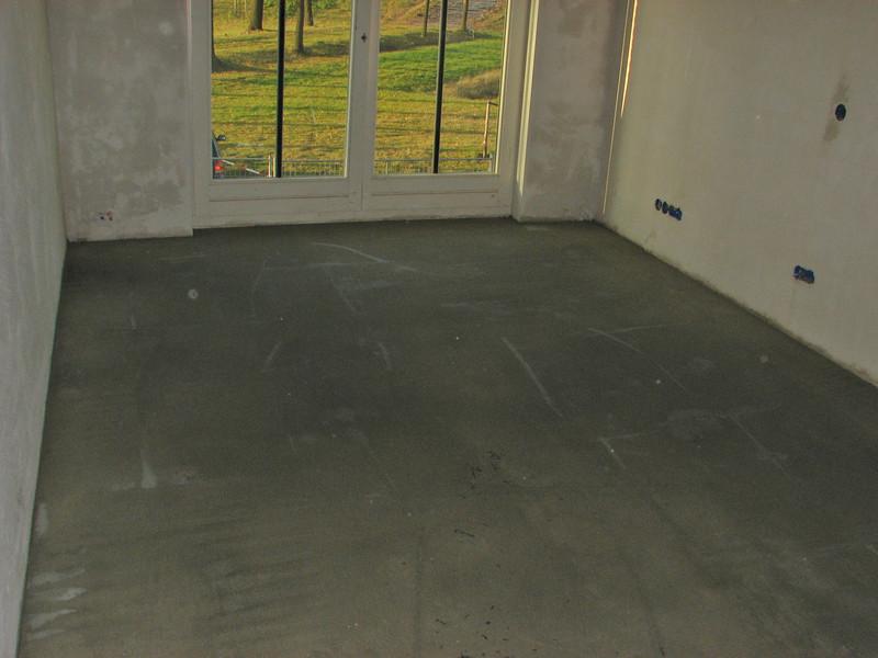 Floor spreading