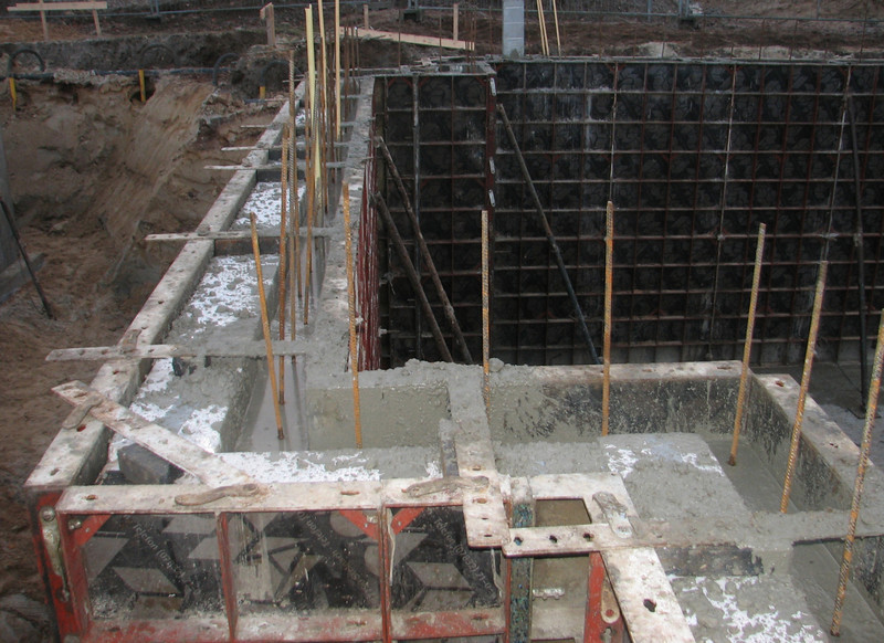 Pour concrete of the main cellar