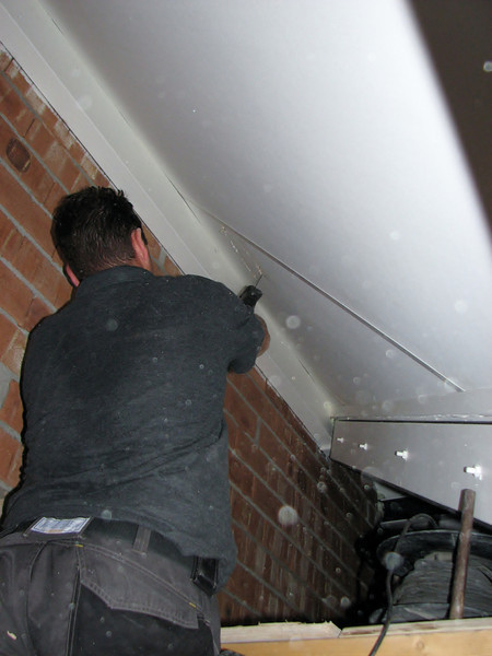 Mounting a fireplace (hearth)  chimney-stack