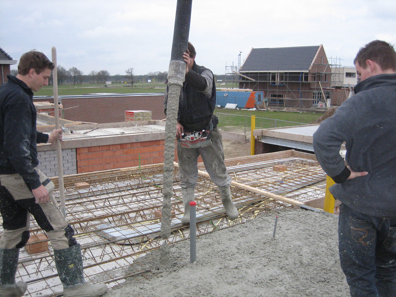 Casting concrete of the first floor