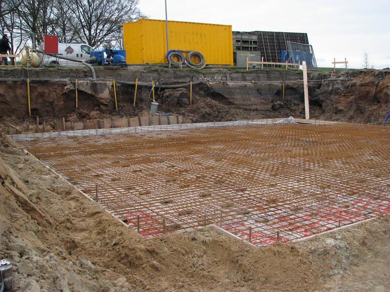 Reinforcement of the mainbuilding cellar floor