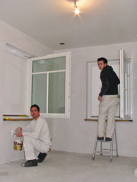 John and Rick are lacquering Stijns room (firm Robert v.d. Wetering schilderwerken)