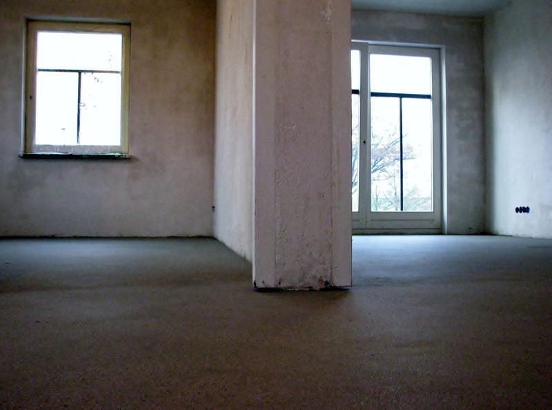 Floor spreading by firm v.d.Linden