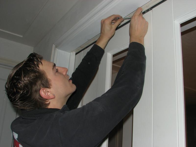 Jarno is adjusting the sliding doors