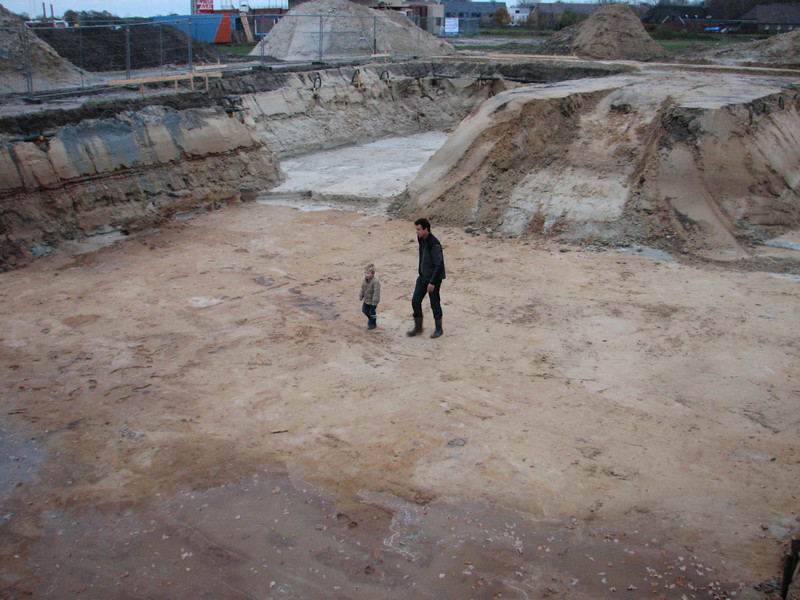 Stijn and Robert in a enormous sandbox