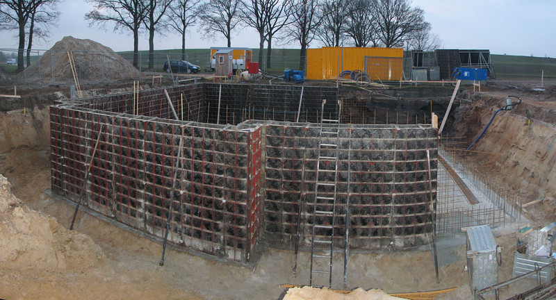 Pour concrete of the main cellar of Jufferlaan 36