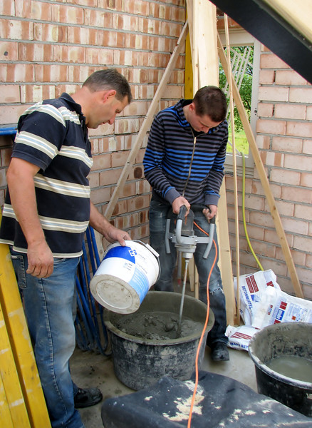 fam. Merks mixing concrete
