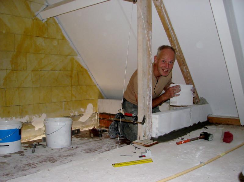 Marijn bricklaying with YTONG (staircase attic)