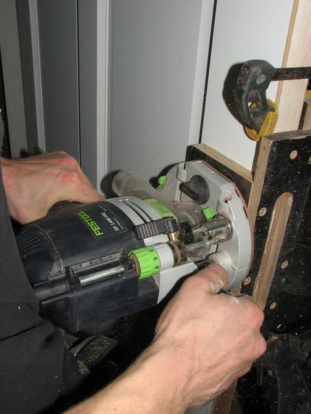 Jarno milling the door handle holes