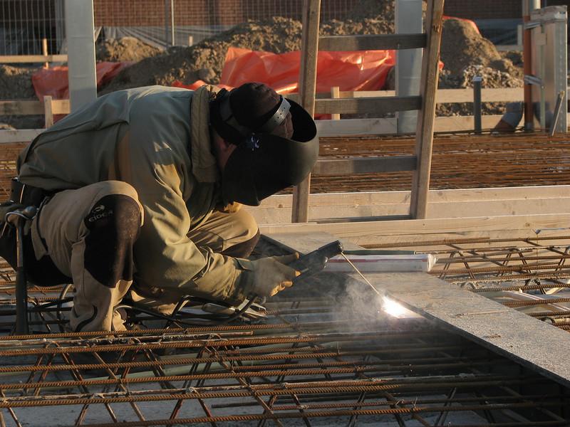 Welding reinforcement on the beams (girders)