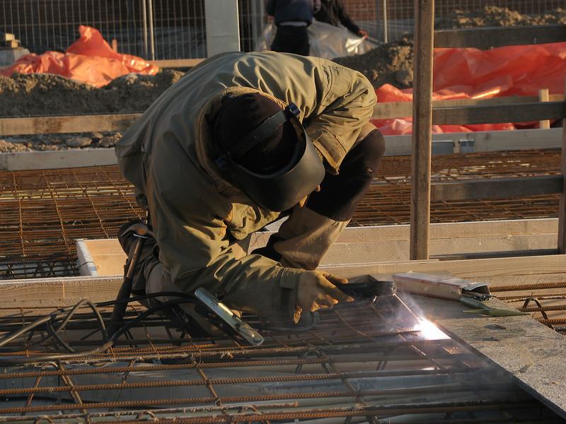 Marijn welding reinforcement on the beams (girders)