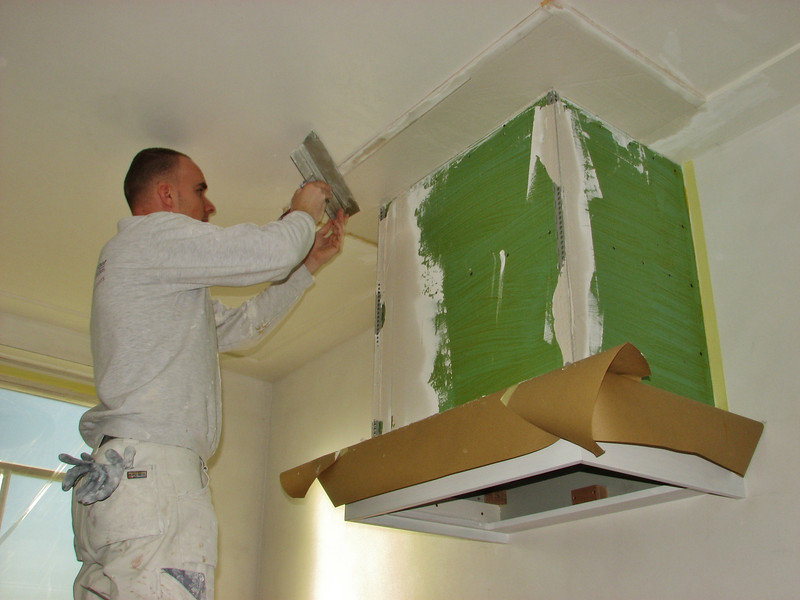 Michael v.d. Kerkhof is plastering the edges